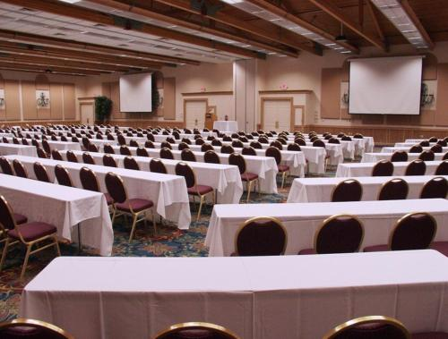 Inn Of The Hills Hotel And Conference Center - Kerrville, TX 78028