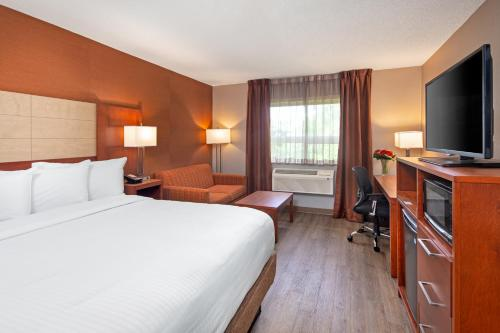 Canadas Best Value Inn Photo