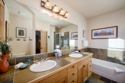Teton Village Moose Creek by Jackson Hole Resort Lodging Photo