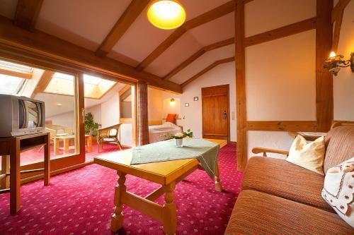 Landhotel Huberhof photo 8