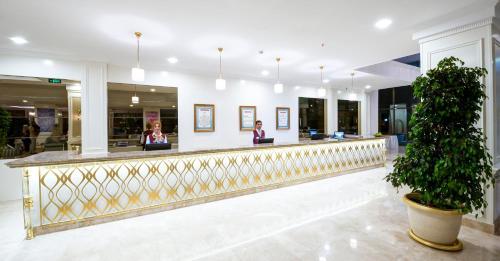 Vikingen Infinity Resort & Spa: TODAY`s deals • Avsallar {\