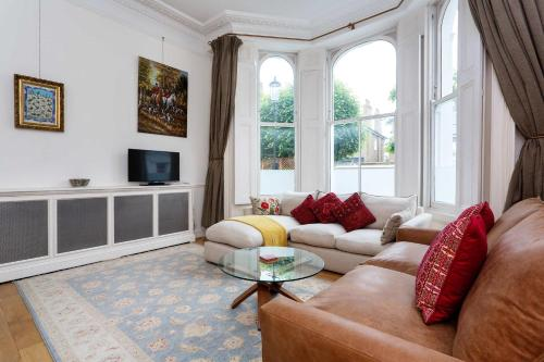 Veeve - Kensington Townhouse Flat a London