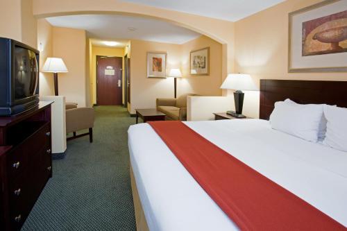 Holiday Inn Express & Suites Colorado Springs North - Colorado Springs, CO 80919