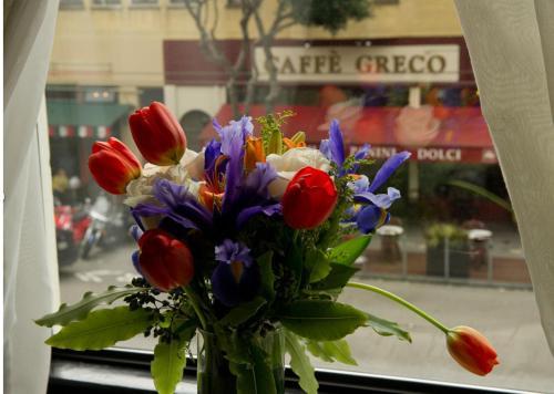 444 Columbus Avenue, San Francisco, 94133, California.