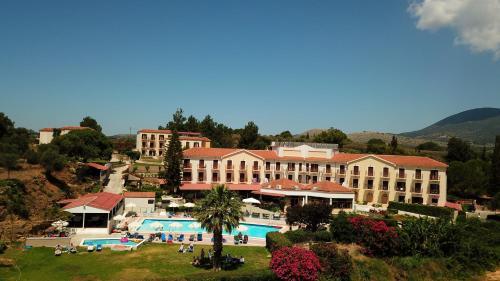 Karavados Beach Hotel Photo