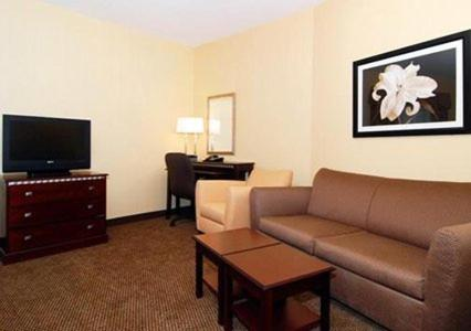 Comfort Suites Southington - Cheshire Photo