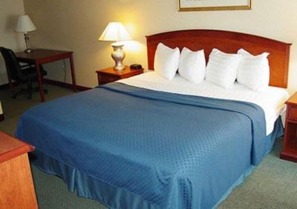 Quality Suites Central - Colorado Springs, CO 80905