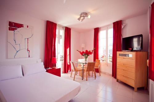 Ramblas Apartments photo 16