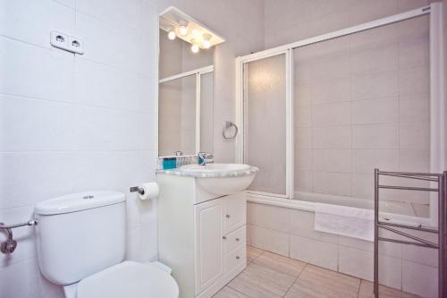 Ramblas Apartments photo 33