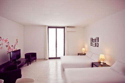 Ramblas Apartments photo 34