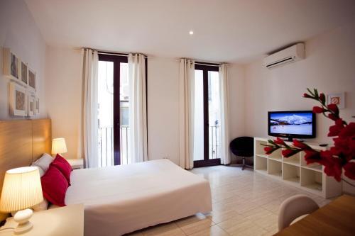 Ramblas Apartments photo 52