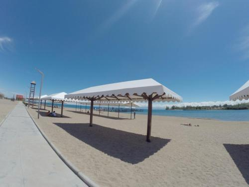 Deluxe Royal Beach