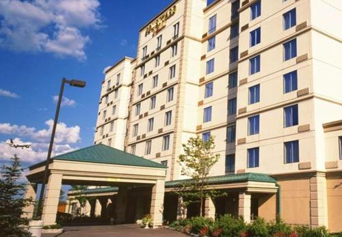 Courtyard by Marriott Toronto Airport impression