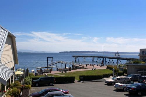Sidney Waterfront Inn - Sidney, BC V8L 3E1