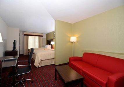 Comfort Suites Locust Grove Photo