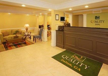 Quality Inn Dalton Photo