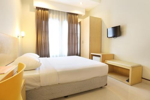 Triniti Hotel Batam photo 25