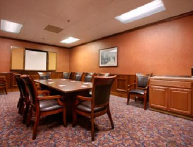 Plaza Hotel And Suites - Pine Bluff, AR 71601