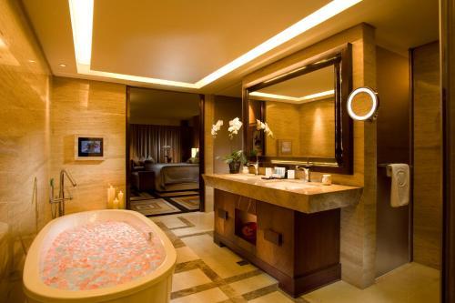 Hilton Beijing Wangfujing photo 16