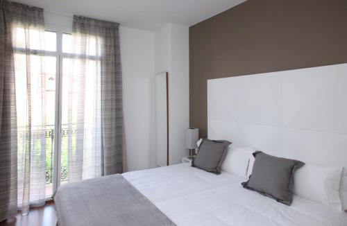 MH Apartments Suites photo 8