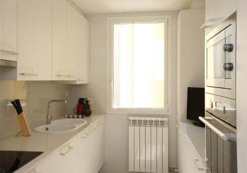 MH Apartments Suites photo 10