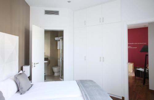 MH Apartments Suites photo 13