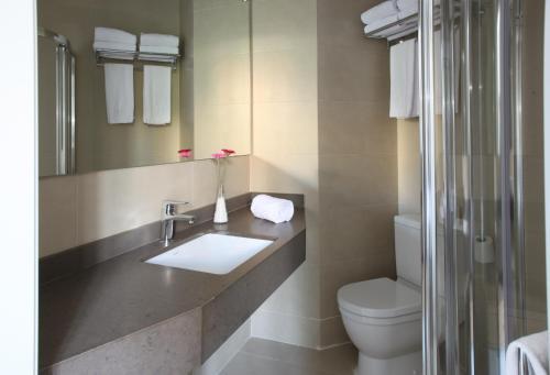 MH Apartments Suites photo 14