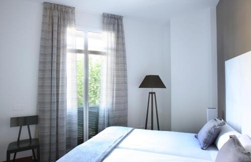 MH Apartments Suites photo 18