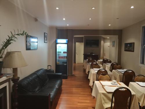 Hôtel De La Perdrix Rouge photo 33