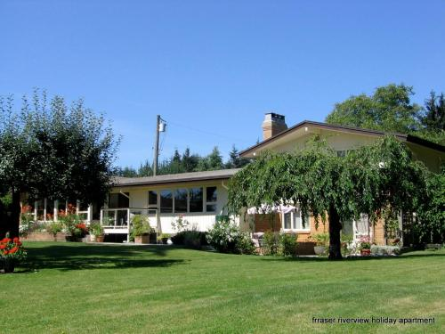 Fraser Riverview Holiday - Pitt Meadows, BC V2X 2B6