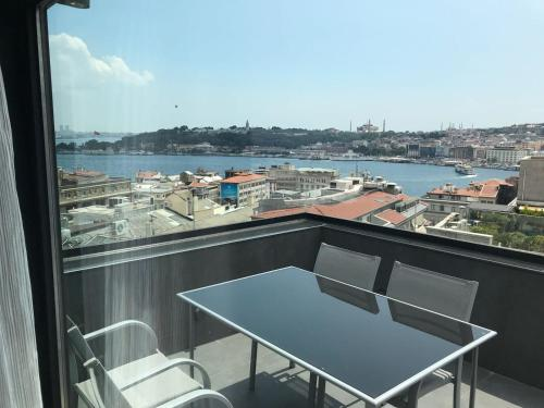 Banker Sokagi No:2 Beyoglu Galata, Istanbul, 34420, Turkey.