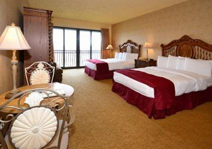 Shoreline Inn & Conference Center, an Ascend Hotel Collection Member Photo