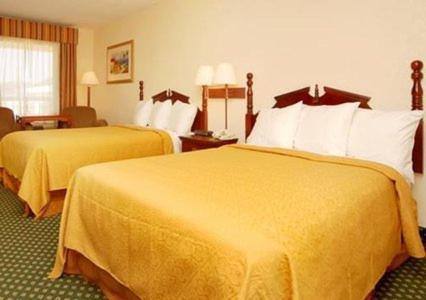 Econo Lodge Inn & Suites Philadelphia Photo