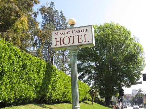 Magic Castle Hotel Photo