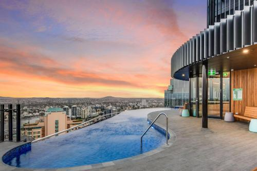 Stylish Resort Living in the City