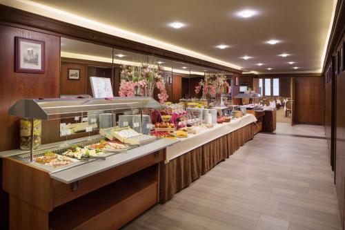 Benczur Hotel photo 50