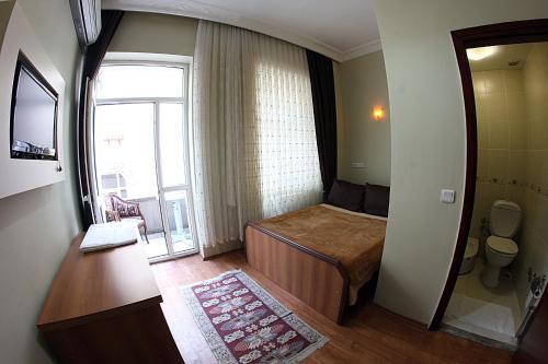 Paradise Hotel, Istanbul