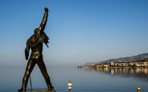 Montreux Lake View -The Queen ..