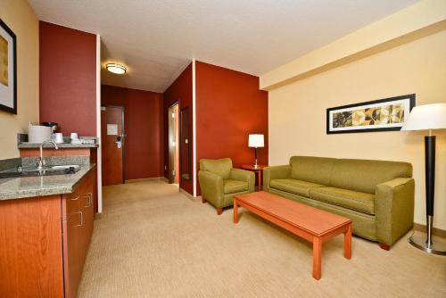 Comfort Inn Gateway to Glacier Photo