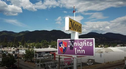 Knights Inn Motel