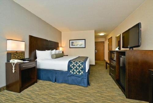 Best Western Plus Coldwater Hotel - Coldwater, MI 49036