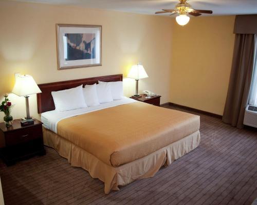 Quality Inn Fuquay Varina/ Holly Springs Photo