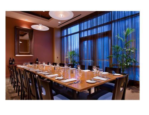 Hilton Vancouver Washington - Vancouver, WA 98660