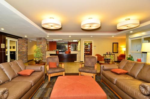 Hawthorn Suites By Wyndham Williston - Williston, ND 58801