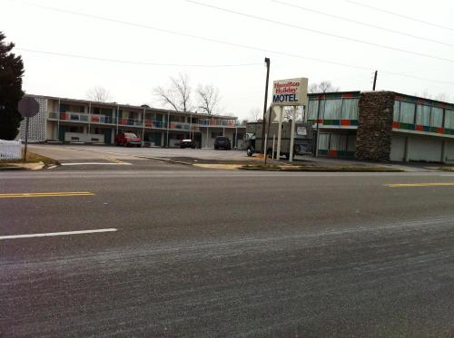 Hamilton Holiday Motel - Hamilton, AL 35570