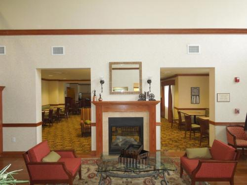 Country Inn & Suites by Radisson, Buffalo South I-90, NY Photo