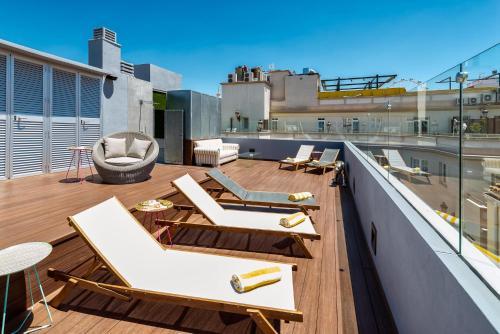 Casa de Campos 17, 29001 Malaga, Spain.