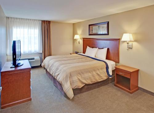 Candlewood Suites Williston North - Williston, ND 55801