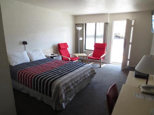 Imperial Motel Grand Forks - Grand Forks, BC V0H 1H0