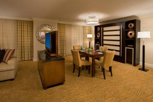 Toronto Airport Marriott Hotel photo 6